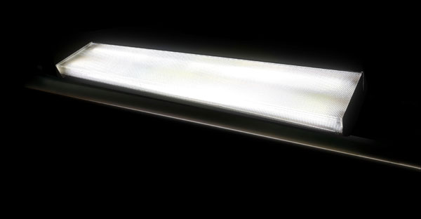 FIXTURE LIGHT WITH EITHER  FLUORESCENT OR LED BULBS